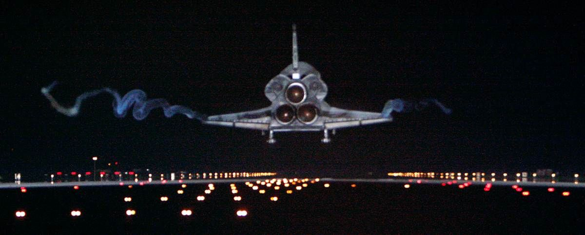 The end of an era. Atlantis landing at Kennedy Space