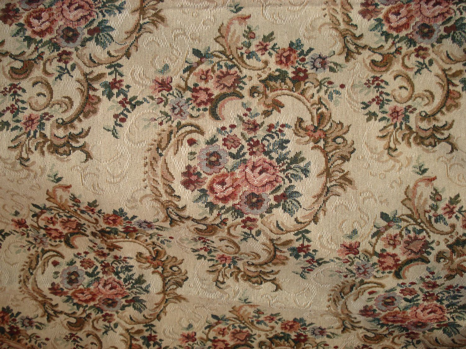 Vintage Beige And Floral Pattern Tapestry Fabric 2 Piece