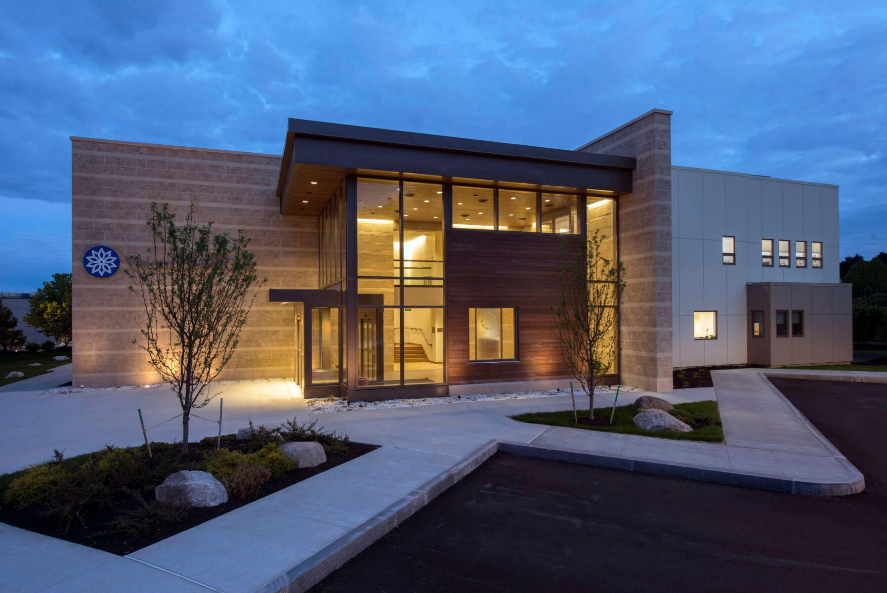40 Most Impressive Small Office Building Design Ideas Office Building Architecture Building Design Commercial Office Design