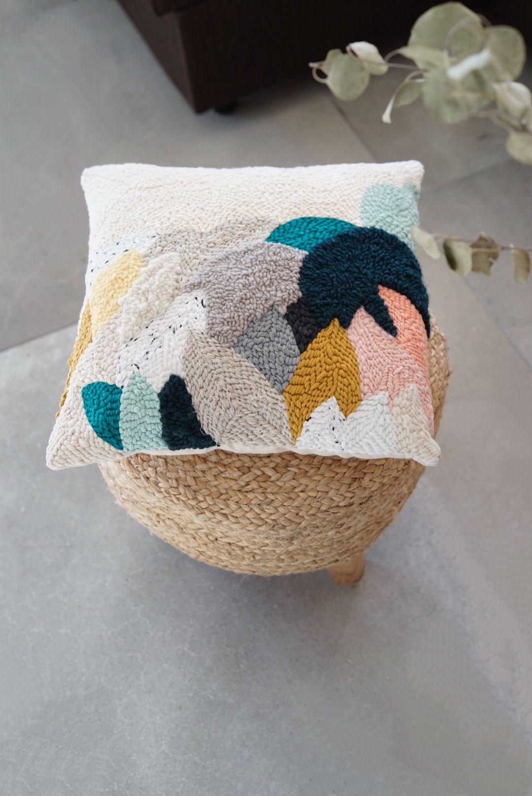 Punchneedle pillow / Rughooking by Julie Robert