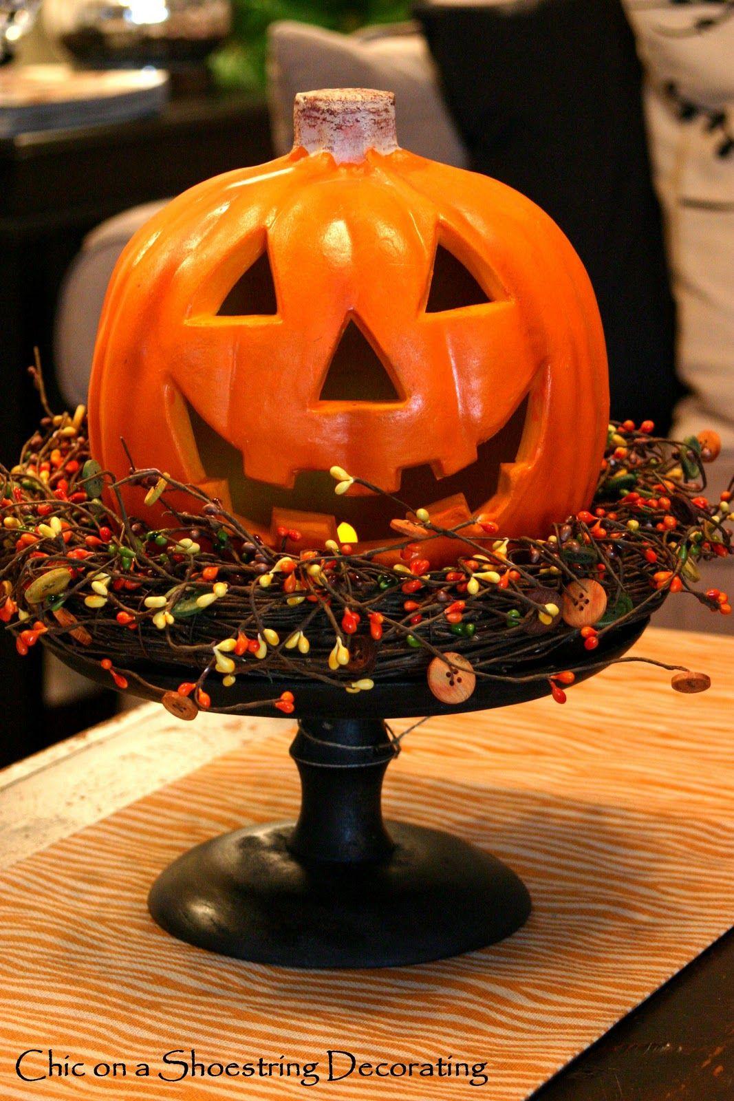 Cute On The Stand Halloween Decorations Halloween Crafts Halloween Pumpkins