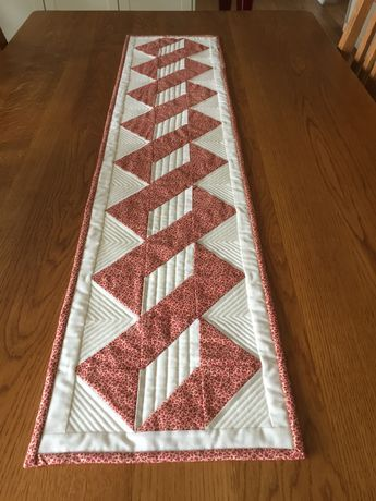 Quilt Pattern How To Quilt The Twisted Pole Runner In Two