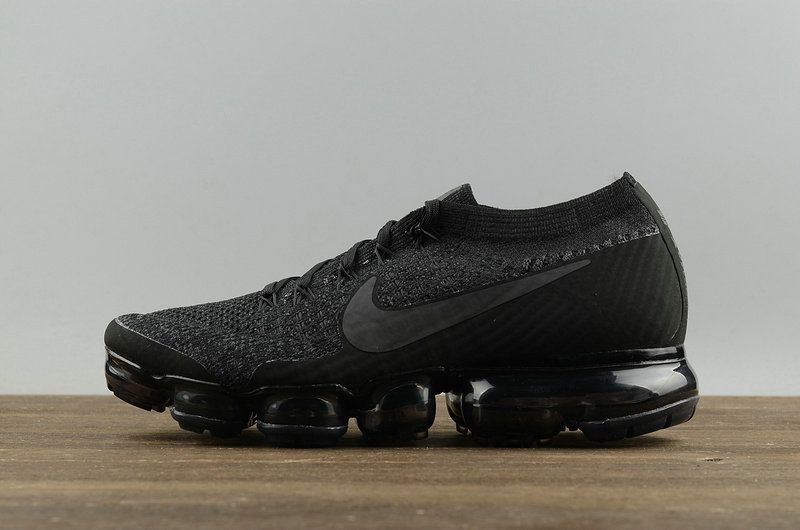 Populaire Nike Air Vapormax Flyknit Triple Black Noir 899473 003 Youth Big  Boys Shoes c07c6a523