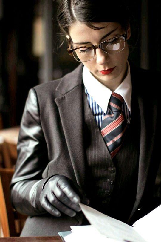 Janey loves gloves   Women in men s clothes   Femenina, Látex, Mujeres 1ef608709e