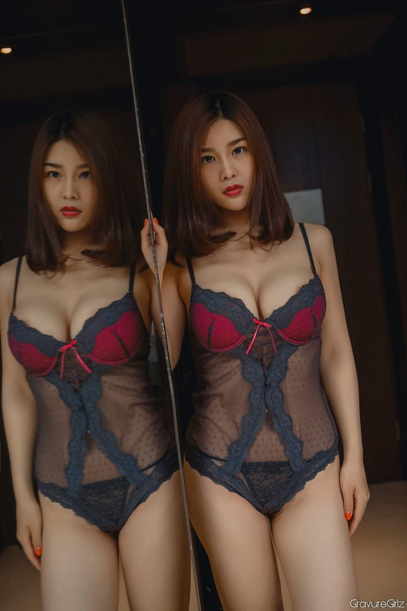 Chinesisches Modell Yan Panpan