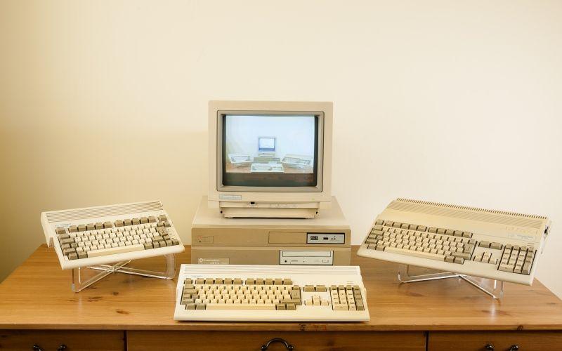 Desktop Lux Old Computer Retro Computer Desk Room Amiga 600 Amiga 2000 Amiga 1200 Amiga 500 Computer Computer Desk Desk