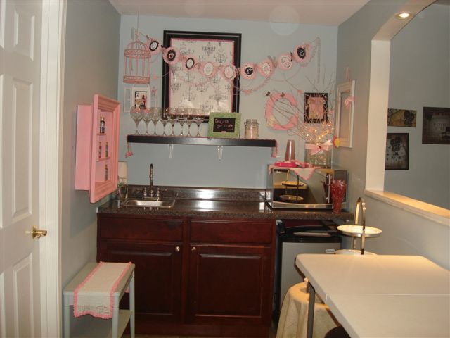 after my wet barpainting area for my crafters this is