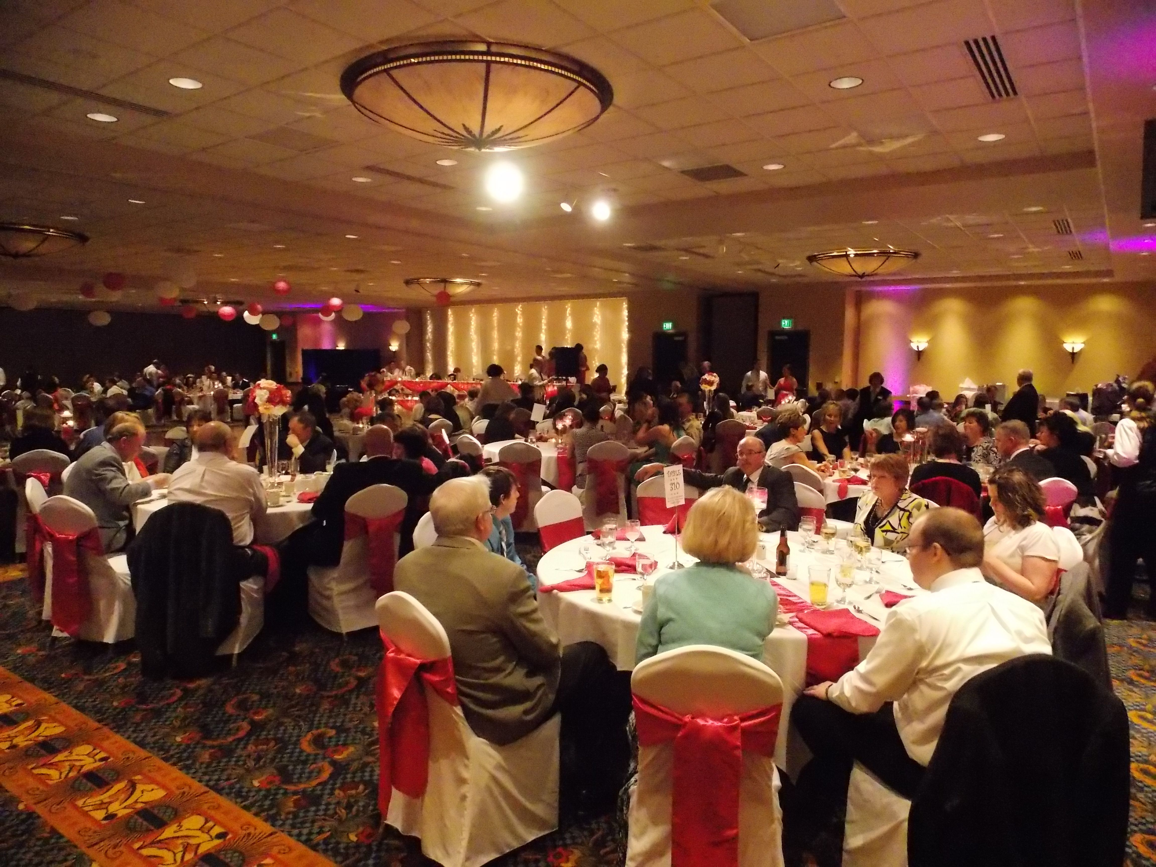 A View Of The Radisson Quad City Plaza Ballroom Davenport Iowa Photo By Marske Music Productions Kirk Marske Dj Quad Cities Banquet Hall Company Party