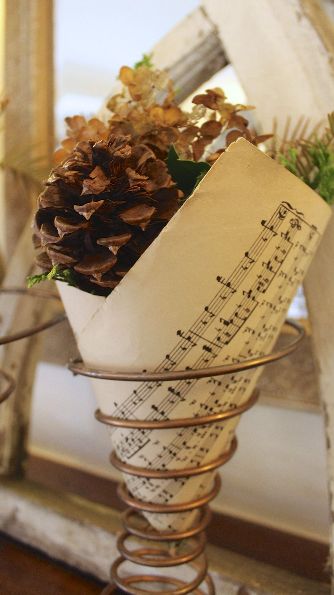 Watch How to Create a Vintage Bedspring Vase video