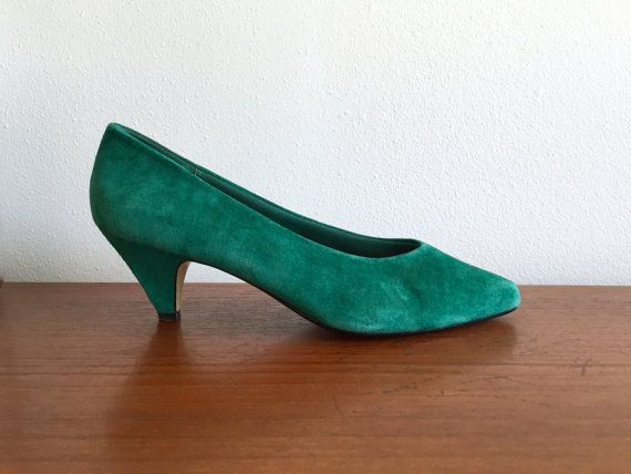 entire collection wholesale price new style Emerald Green Suede Pointed Pumps / 80's Green Suede Leather Low ...