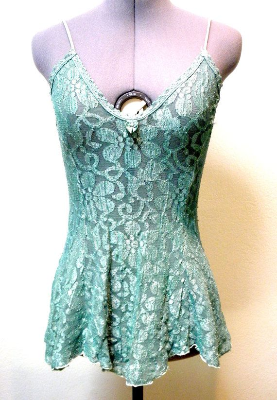 This vintage number came out so cute in green - it reminds me of a cute skater's dress!