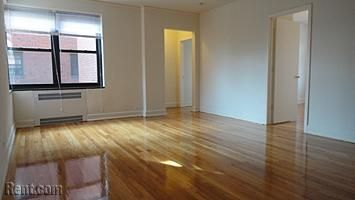 750 1br Utilities But Has Nice Space And Hardwoods Granville Court Apartments 6230 N Hoyne Ave Apartment Apartments For Rent Rental Apartments