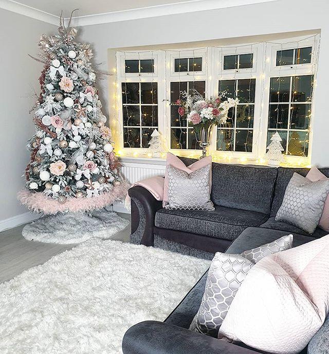 _________________________________#christmastree #christmas #fairylights #christmasideas #cosychristmas #cosy #cosydecor #christmasdecor #christmasfeels #livingroom #decor #interior #instahome #interiordecor #myhomestyle #greyhome #homedecor #interiorinspo #interiorinsparation #interiordesign #actualinstagramhomes#livingroomdecor #homeideas #realhomesofinstagram #greyinterior #homestyling #hem_inspiration