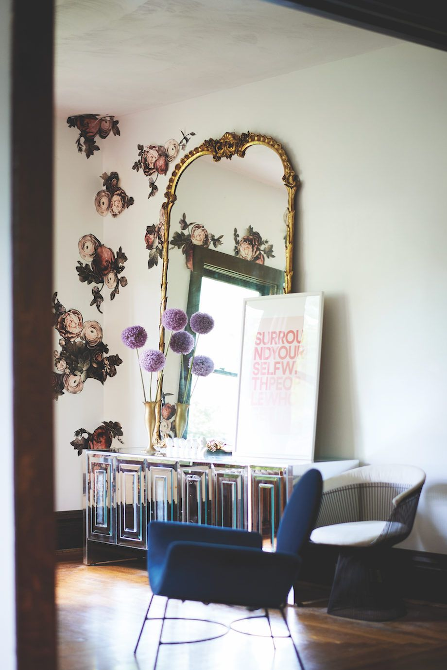 13 Creative Ways To Use Peel And Stick Wallpaper House Beautiful Magazine Best Living Room Wallpaper Room Wallpaper