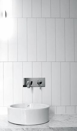 SAMPLE PIC - this is how all shower/tub wall tile should be ...