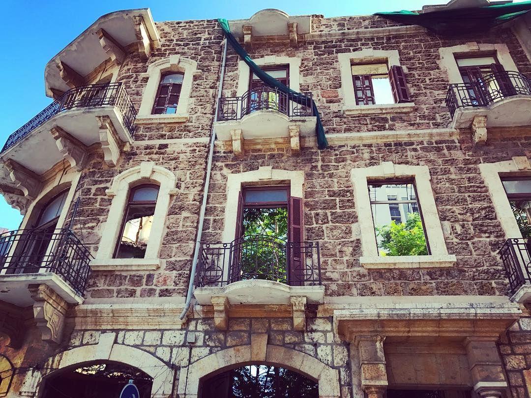 شاركنا قصتك من وراء العدسة Galaxys8 Mys8 House Styles Mansions House