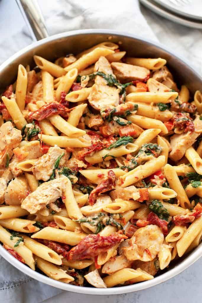 Creamy Tuscan Chicken Pasta   Foodtasia
