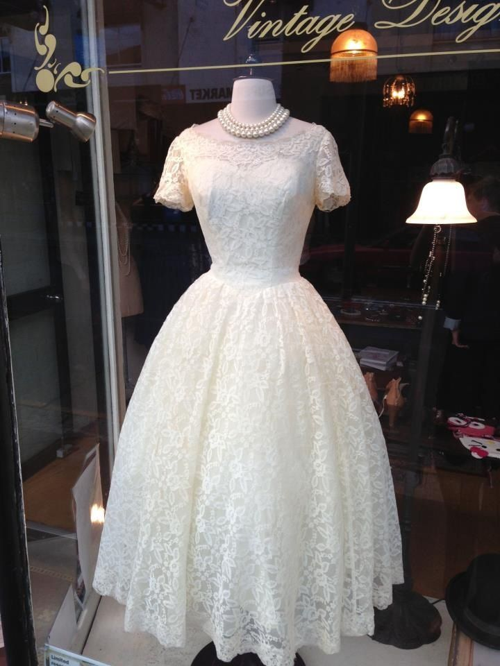 Adorable 1950s lace wedding dress from Mulberry Street Vintage ...