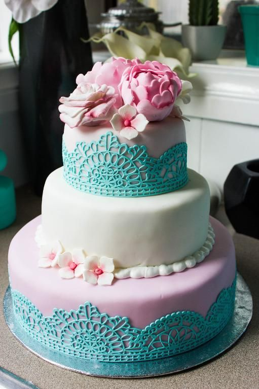 Looking for cake decorating project inspiration? Check out Sisters Love by member Tina Ayer. - via @Craftsy
