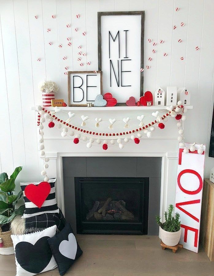 Criativo e ótimo Love is in the Air with Valentine's Day Decorations! Add a little Valentine'... Love is in the Air with Valentine's Day ... #decorations #little #valentine