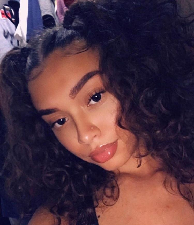 Snapchat Theslimgal Aesthetic Hair Curly Hair Styles Light Skin Girls