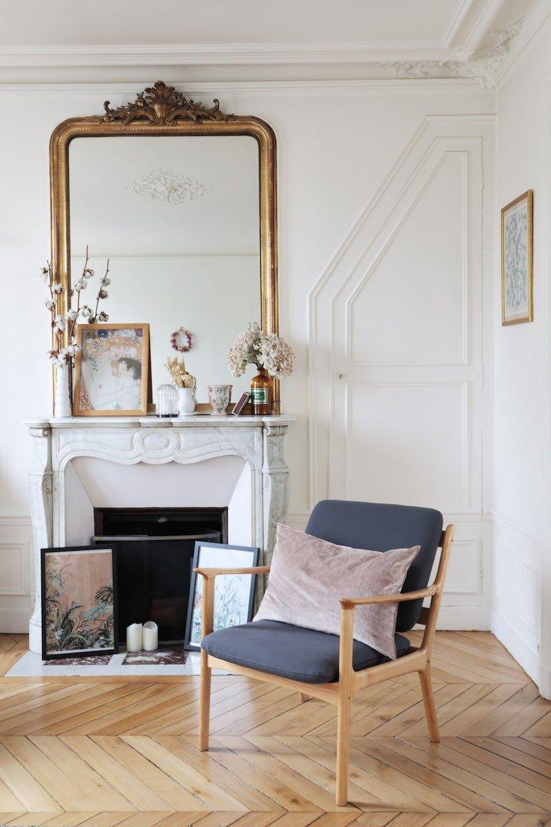 Bienvenue dans l'appartement parisien arty et bohème d'Émilie du blog Sweet cabane - Hëllø Blogzine