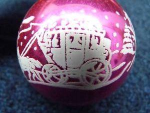 RARE-Vintage-SHINY-BRITE-Pink-STAGECOACH-Stenciled-Glass-Ornament-o1516