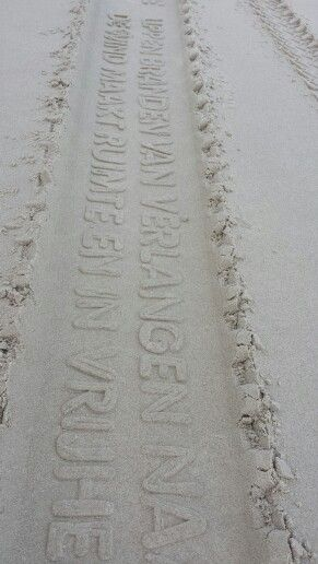 Poëzie op het Vlielandse strand