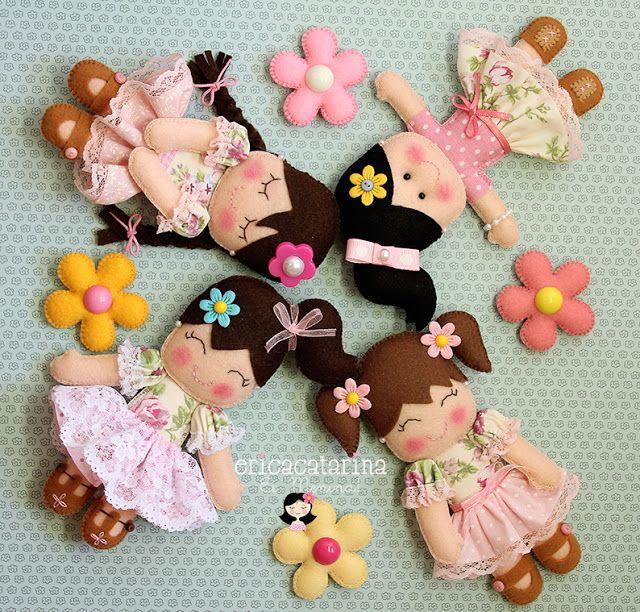 Come fare bamboline in pannolenci di erica catarina for Modelli di casa gratuiti