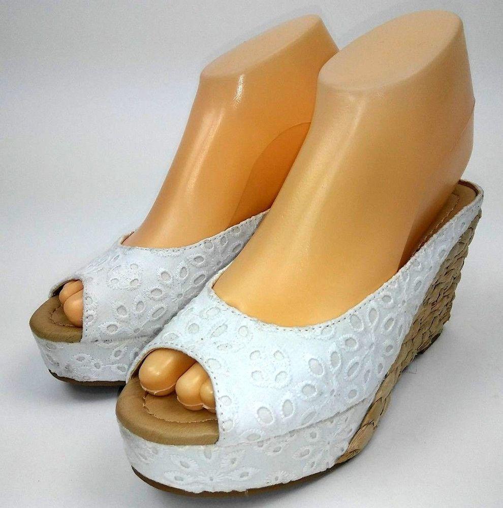 Cl Laundry Daysie Wedge Sandals Size 6 White Eyelet Platforms Peep