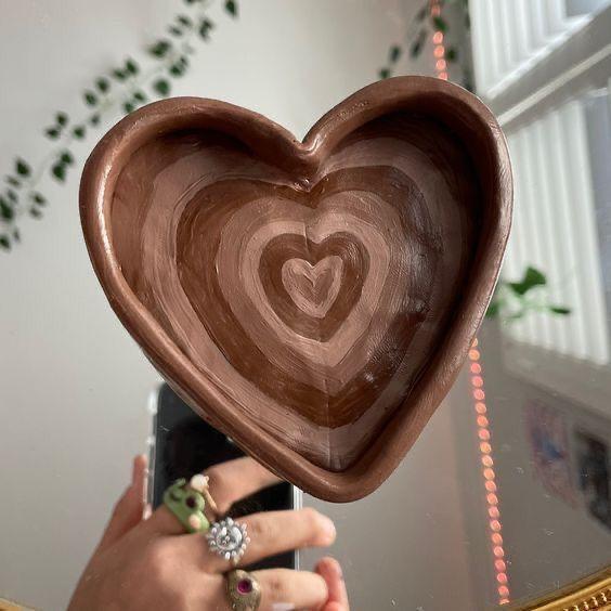 Brown heart jewelry tray