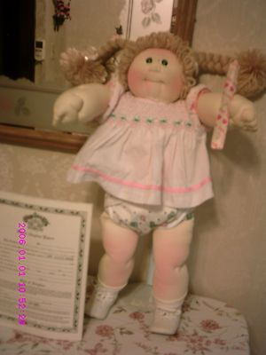 VINTAGE CABBAGE PATCH DOLL RARE SANDY HAIR LITTLE PEOPLE SOFT SCULPTURE+PAPERS