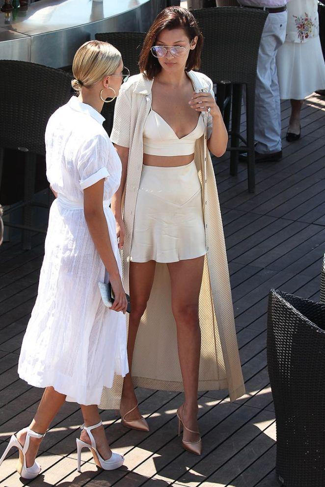 Maillot de bain   Bella Hadid Summer Outfit Idea 2017   Model Off-Duty 20fd1d0b8d2e