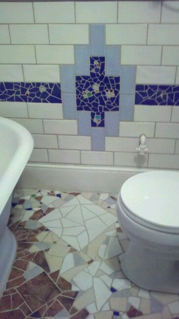 ORIGINALS BY RHONDA Holt Bath Mosaics Bath walls were cut and broken tiles with glass beads incorporated for a blast of color, depth and texture.