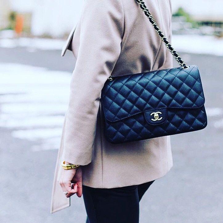 40fed9a0929d CHANEL Medium Flap Handbag Caviar Leather Ghw Iris Navy Cross Body ...