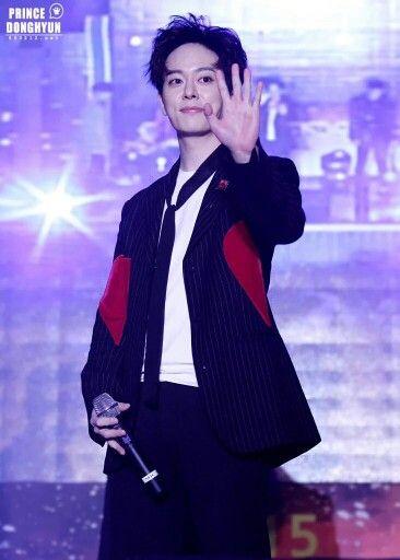 [Photo★]20151026 동현오빠)HQ photo update→https://t.co/P21UhTyZq9  #보이프렌드 #동현  Donghyun i want his Jacket