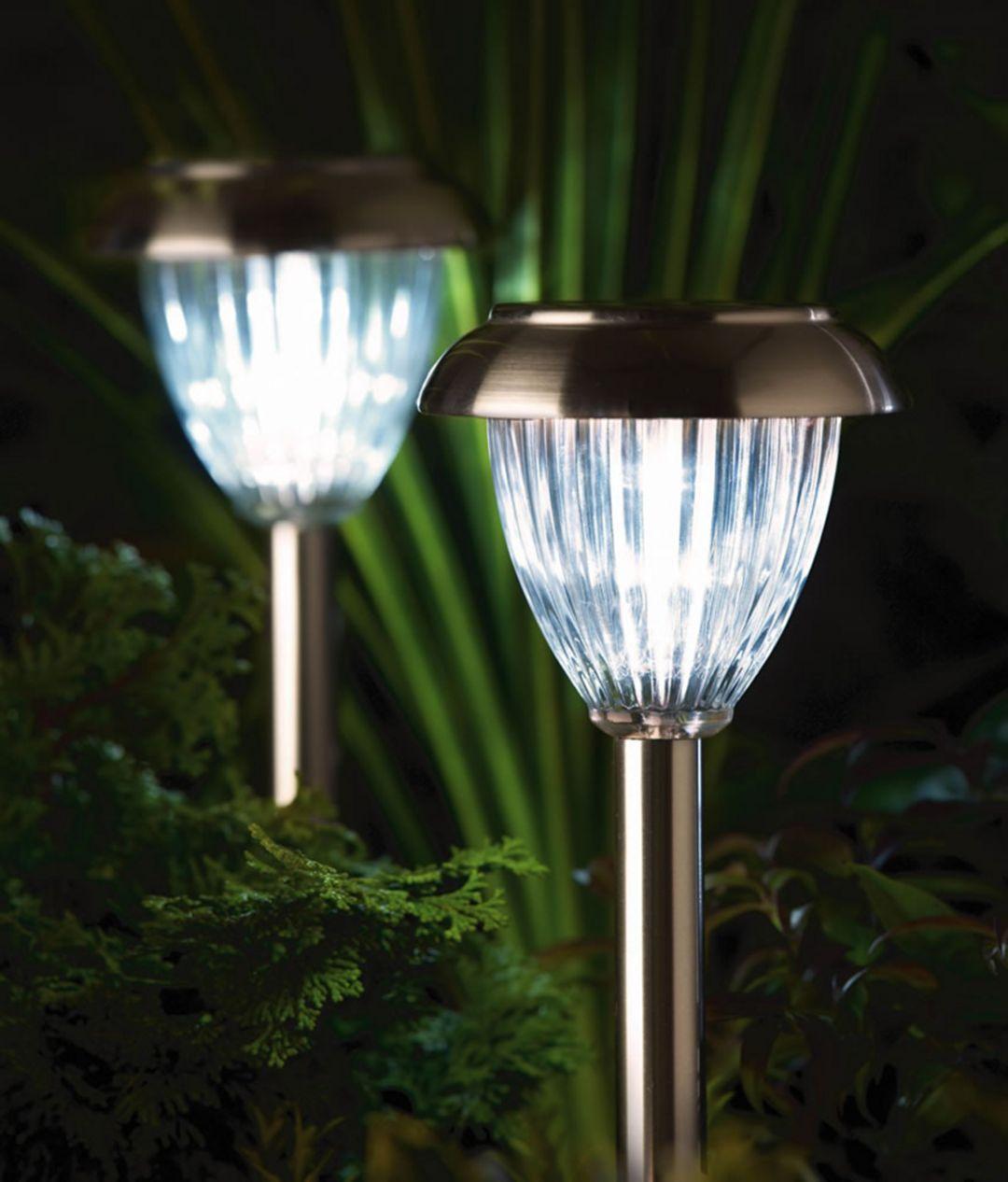 15 Extraordinary Garden Lamp Ideas That Will Maximize Your Beautiful Garden At Night Design Decorating Electric Garden Lights Solar Lights Garden Solar Powered Garden Lights