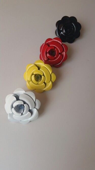 Flower rings...White, yellow, red or black  Email celesstyle@gmail.com to order
