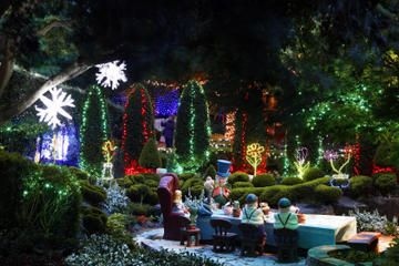 Hunter Valley Gardens Christmas Lights Spectacular From Sydney Vineyard Tour Christmas Cruises Wine Tour