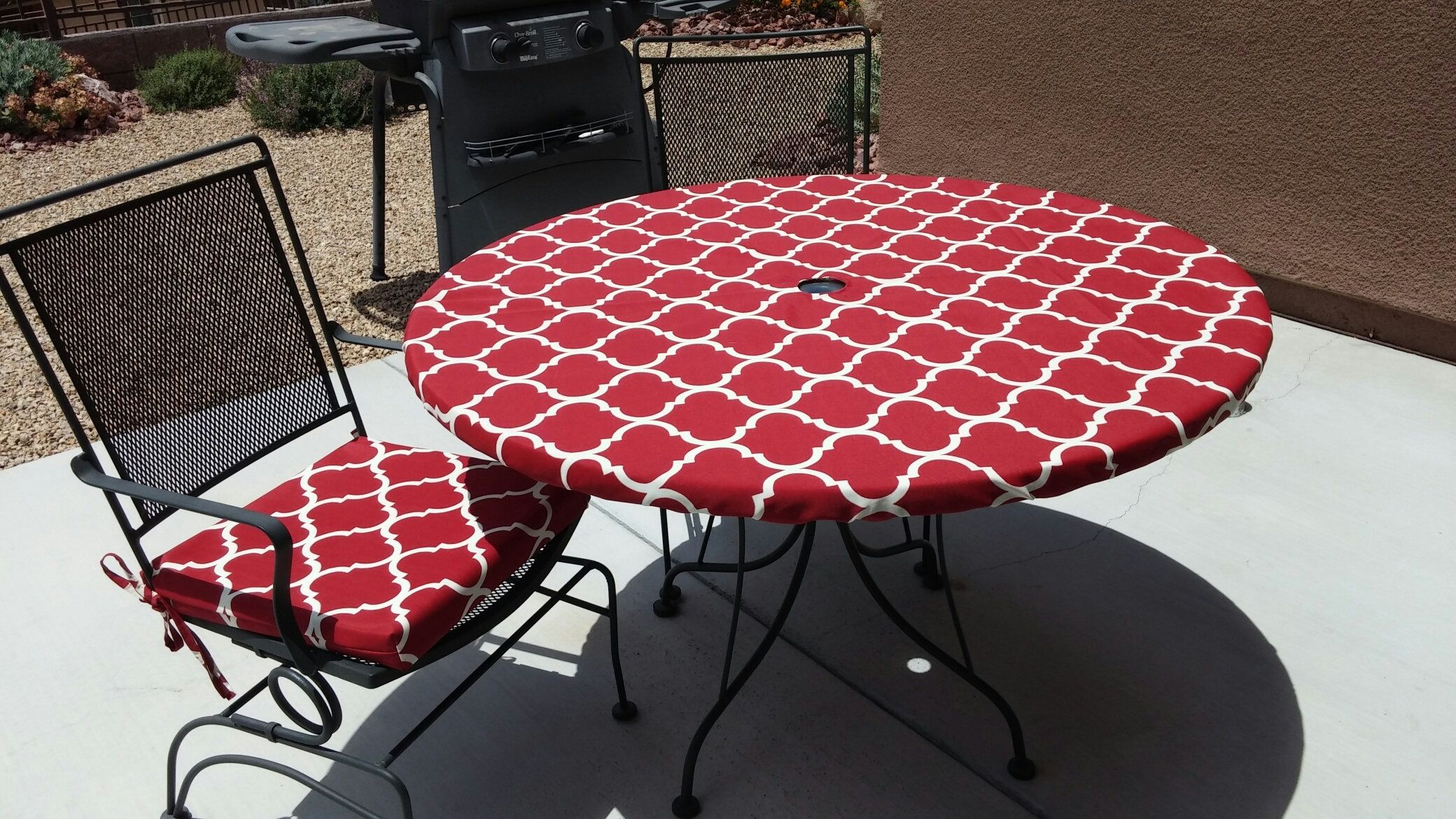 Round Fitted Tablecloth For Indoor Or Outdoor Dining With In 2020