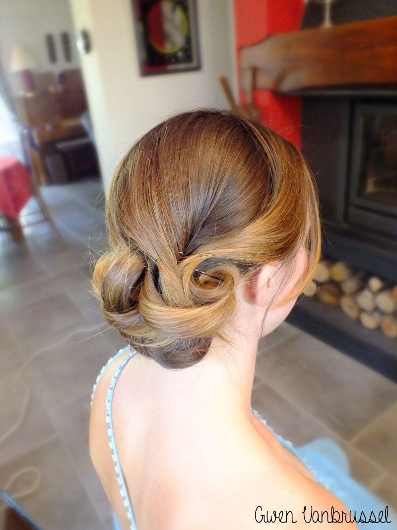 chignon chic coiffure demoiselle d 39 honneur coiffures maquillages. Black Bedroom Furniture Sets. Home Design Ideas