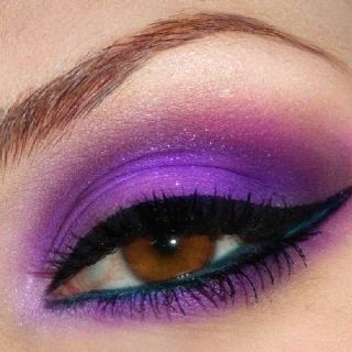 Love this look. Purple and cat eye, my faves.