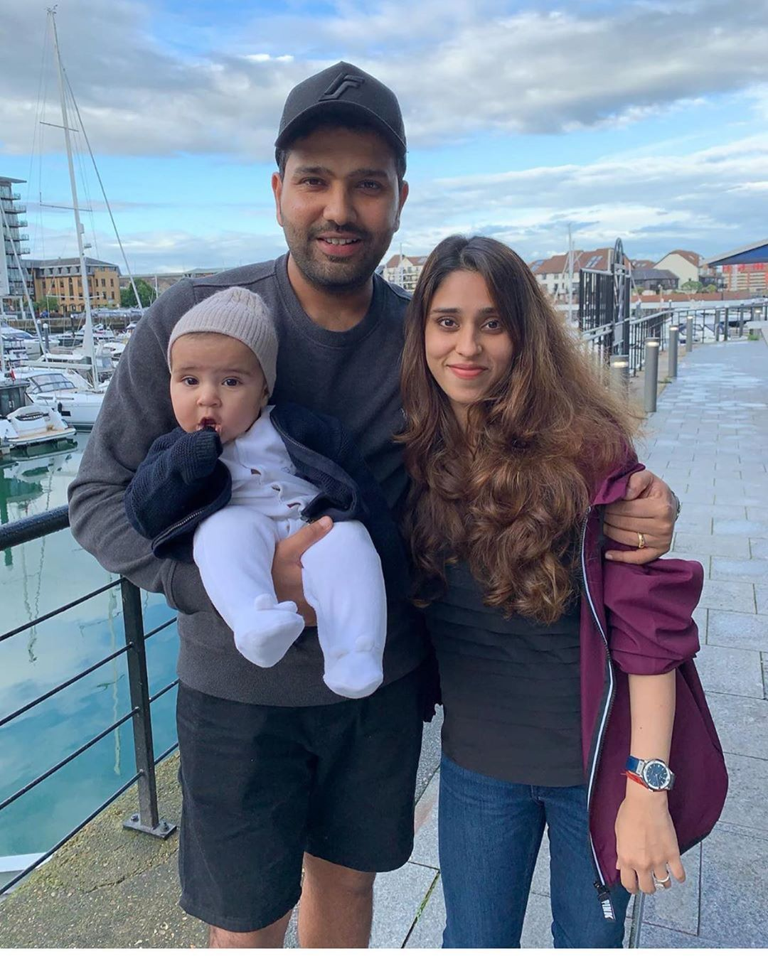 A Morning cannot be cuter than this, Rohit and family ️