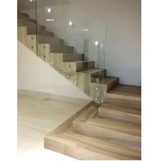 escada com porcelanato travertino bianco - Pesquisa Google