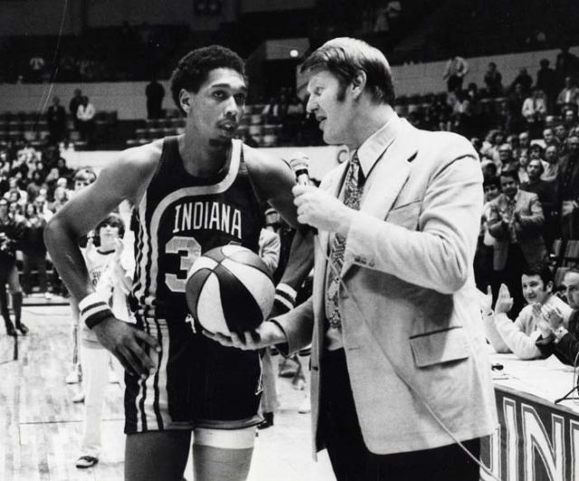In his first year with the Pacers, Mel Daniels led the squad to its best ABA record (59-25) and won the first of their three championships. For the season, Mel pulled down a ferocious 16.5 rpg and posted a career-high 24 ppg, represented the Pacers in the All-Star game, and made All-ABA First Team.