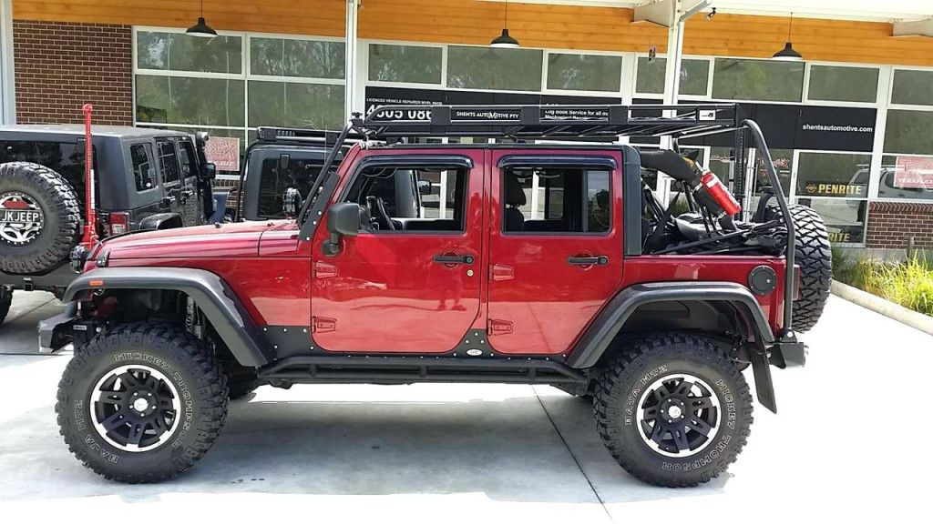 jeep features jk two photo wurton side and rack roof rear the pods has per unlimited wrangler a