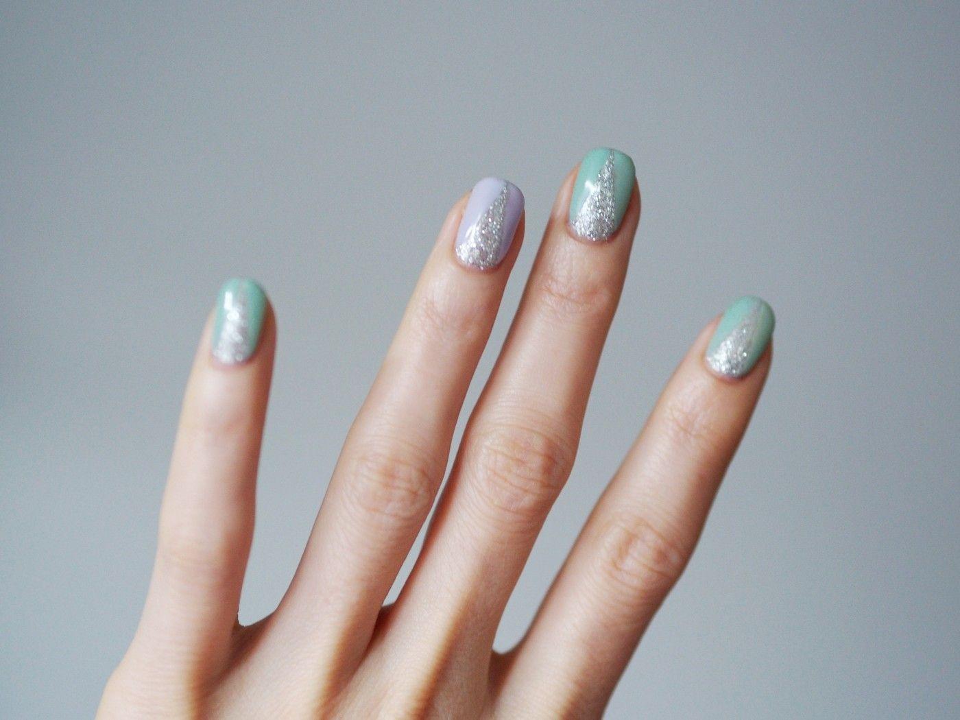 Mint green nails - Pupulandia