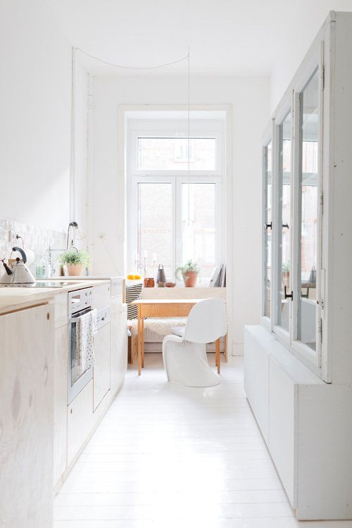 Apartment Wiesbaden, Küche #interior #interiordesign #einrichtung  #einrichtungsideen #deko #dekoration #decoration #living #wohnen #küche  #kitchen #white ...