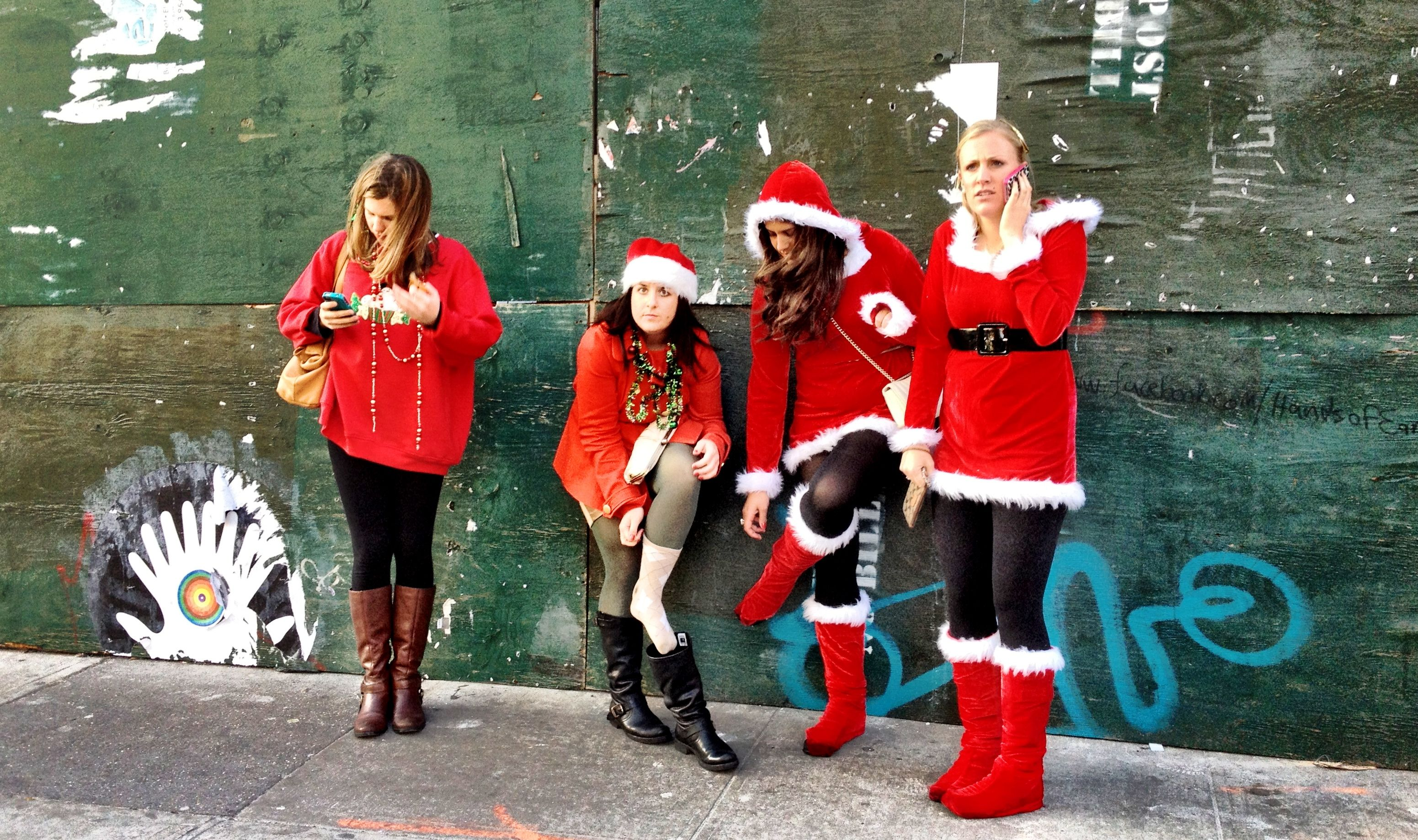 "Re-Pin: Robbie Chafitz, NYC: ""Bad Santas"""