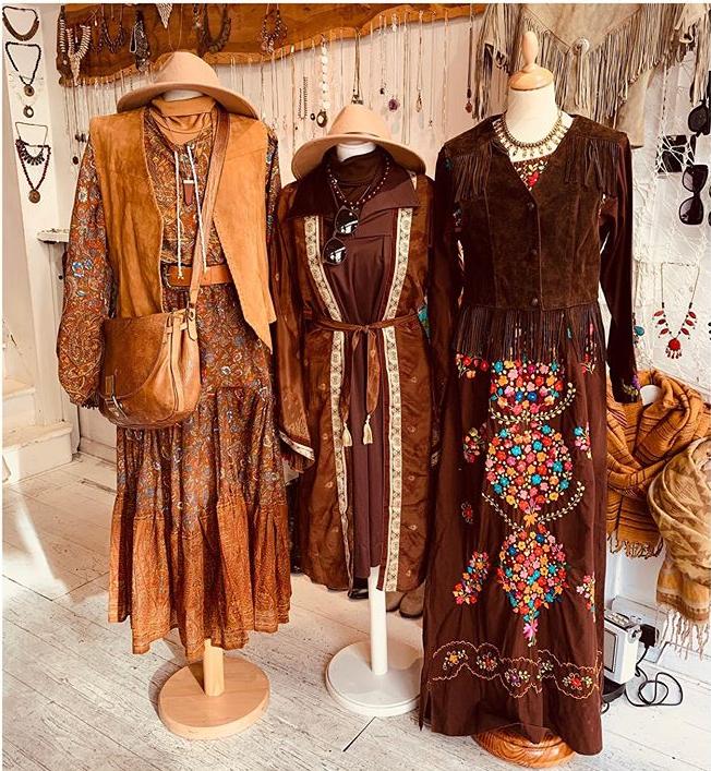Anyone Else Vibing This Look In 2020 Vintage Outfits Vintage Clothes Shop Ladies Vintage Clothing